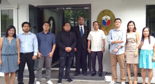 New members of philippine embassy singapore introduced at filcom filcomaug2g stopboris Gallery